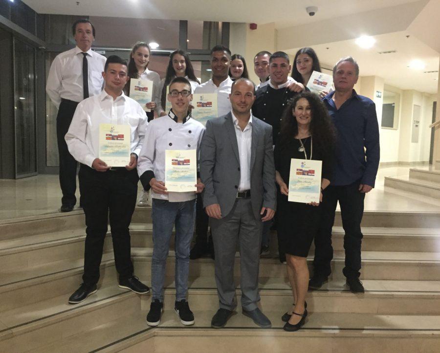 """Средношколците од ОУТУ """"Ванчо Питошески"""" наградени на натпревар во Хрватска"""