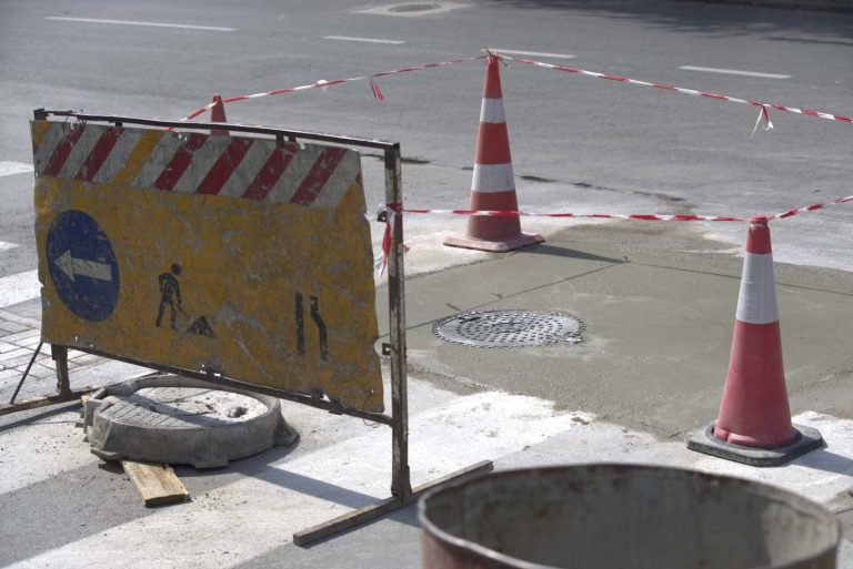 Се нивелираат шахтите на неколку улици низ градот