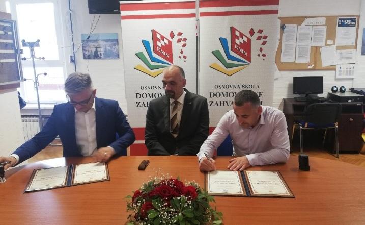 """ОУ """"Братство Единство"""" се збратими со училиште од Книн, Хрватска"""